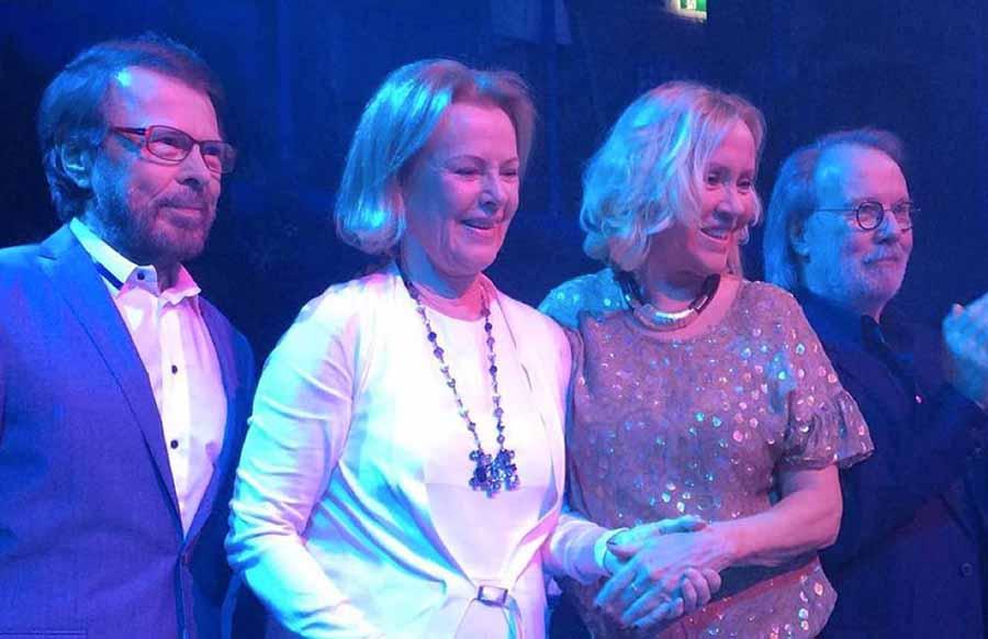 """La banda icono gay, ABBA, anuncia una """"nueva experiencia virtual"""" que verá la luz en 2018"""