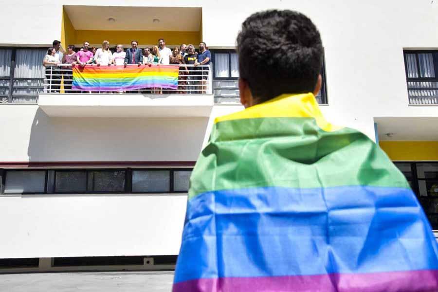 Bandera Arco Iris Ayuntamiento Torremolinos 2016 2