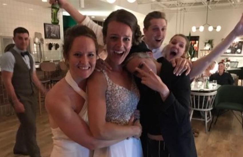 La increíble sorpresa de dos novias el día de su boda: ¿A qué famosos invitarías?