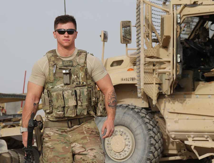 Soldados y veteranos responden a Trump sobre su prohibición de servir en el ejército a transexuales