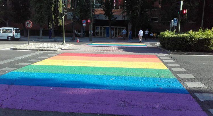 Los pasos de peatones arcoíris se extienden por toda la comunidad de Madrid