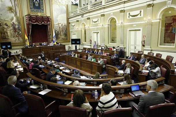 COLEGAS felicita al Parlamento canario por la PNL de llevar la persecución de las personas LGBT ante la corte penal internacional