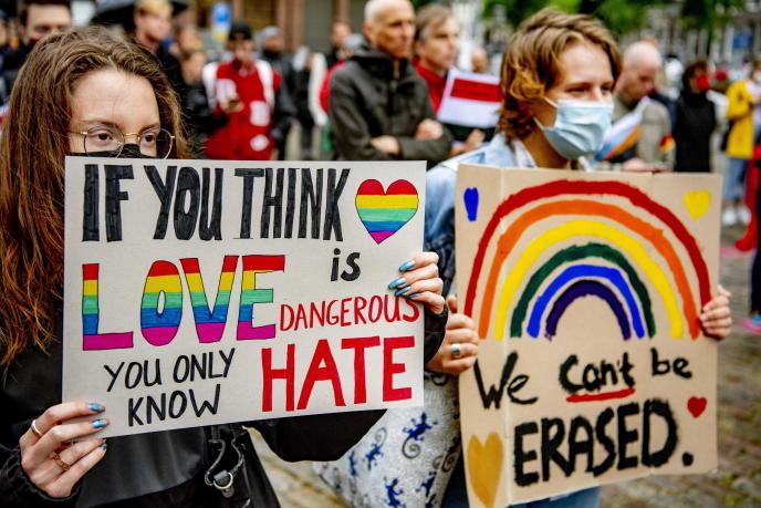 La Unión Europea expedienta a Hungría y Polonia por atentar contra los derechos LGTBIQ